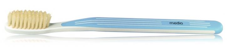 Зубна щітка з натуральною щетиною середня